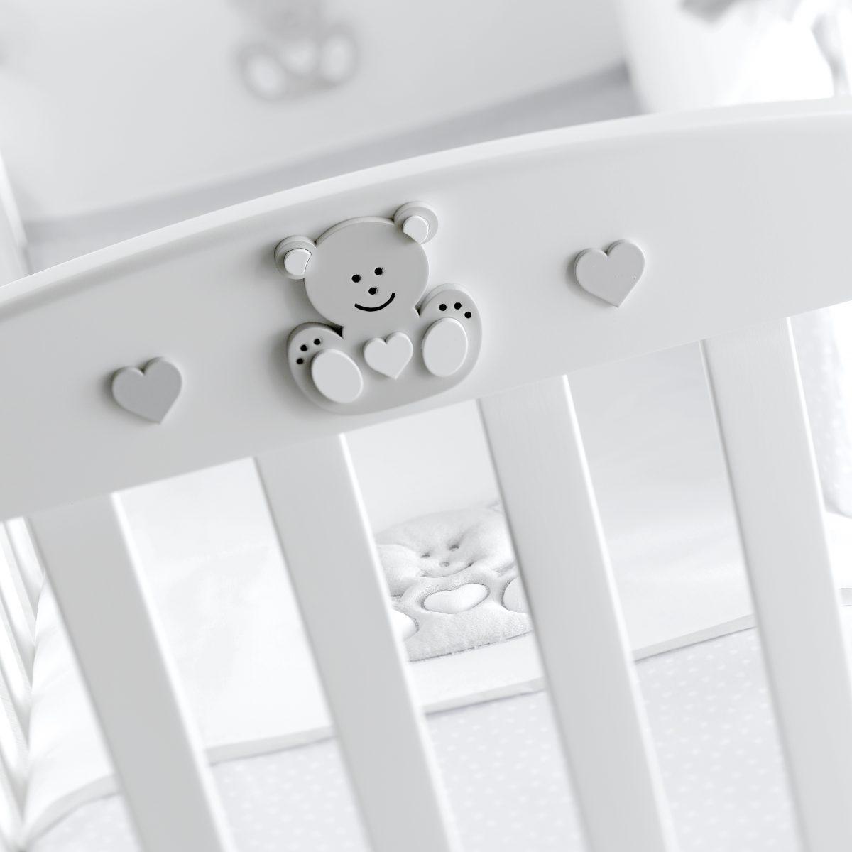 luxusní dětský nábytek - masivní postýlka Charly