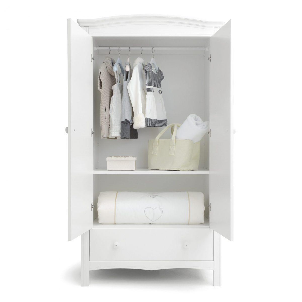 luxusní dětský nábytek - vnitřek skříně kolekce Cuore